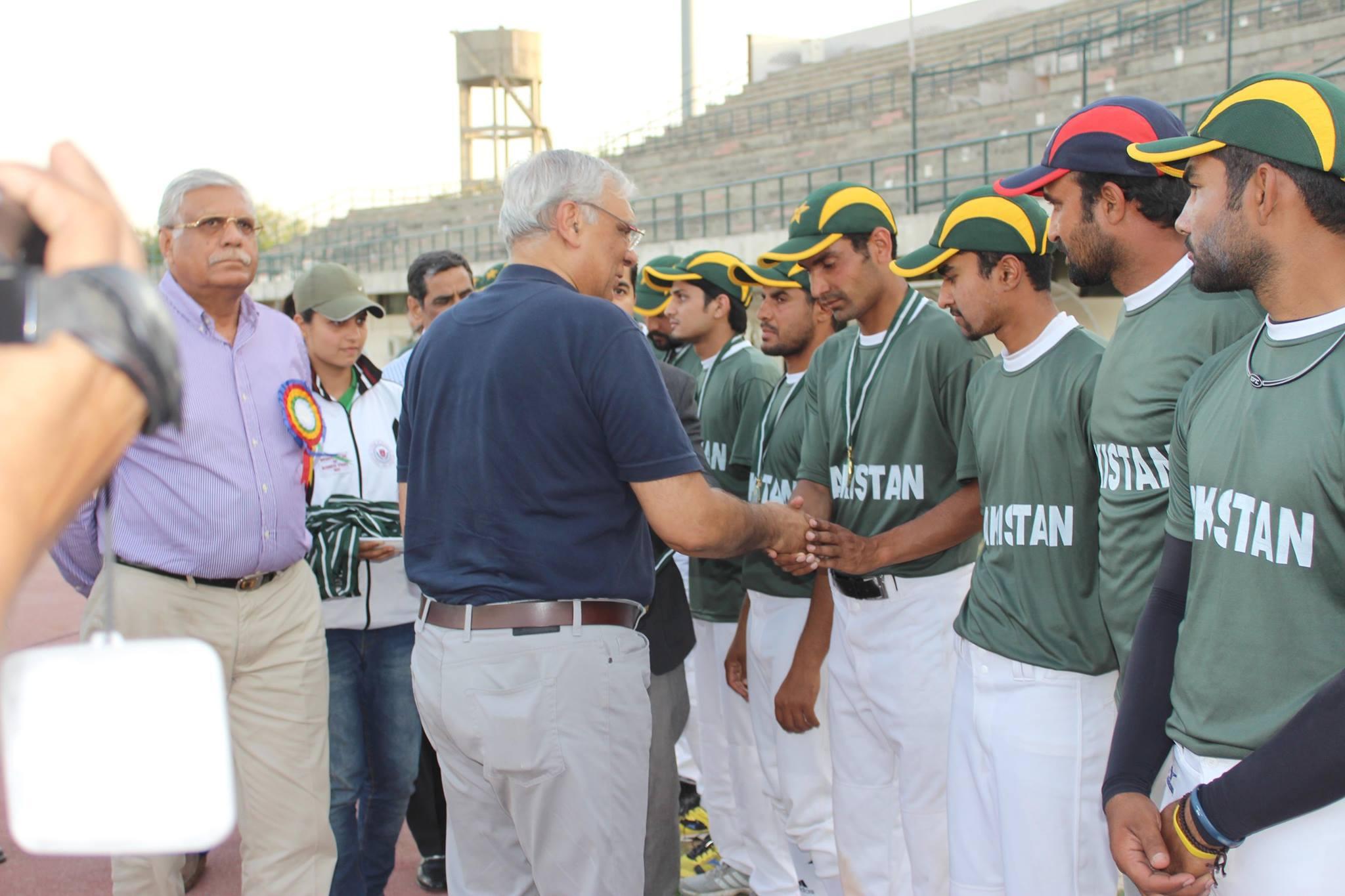パキスタンで野球の人気が上昇 政府が国内外の野球支援