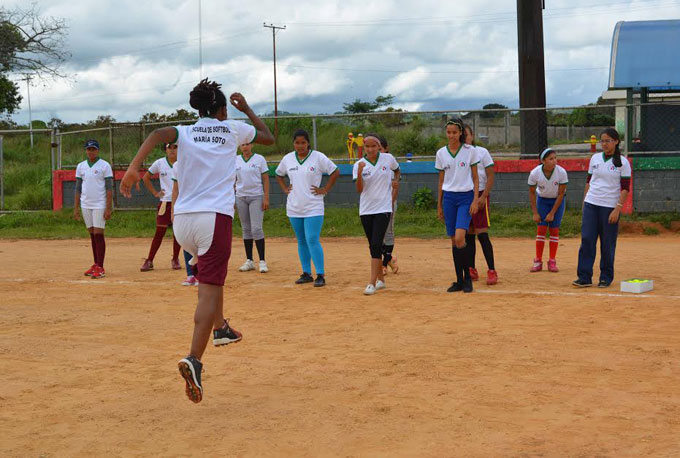 Venezuela opens first Women's Softball School in country