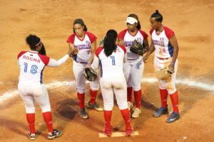 Canada and USA lead their pools at Pan American Women's Softball Championship