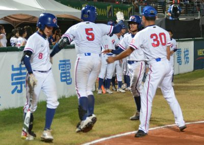 20170806 U-12 Baseball World Cup Pai Chen An Chinese Taipei congratulated after homer in final