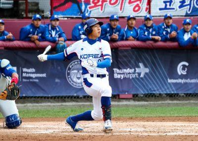 20170904 U-18 Baseball World Cup Yi Inhyok hits inside park home run (Christian J Stewart)
