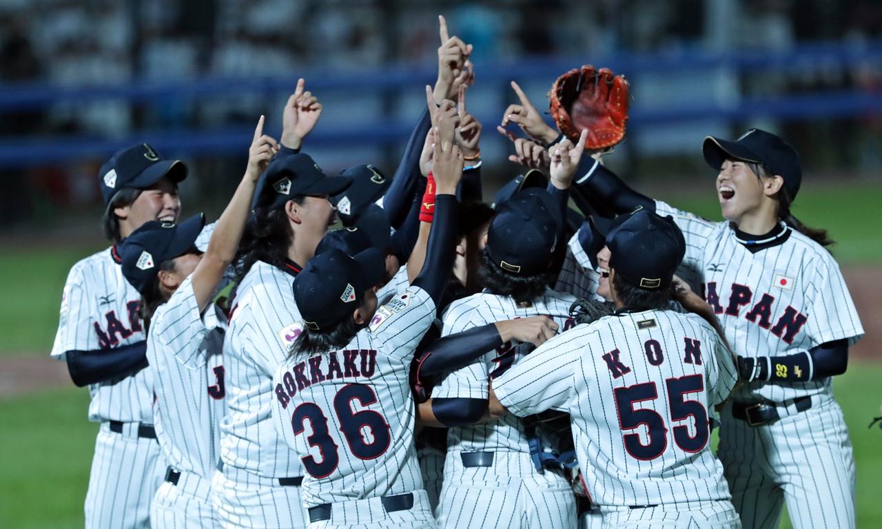 日本がカナダを決勝で下す 女子ベースボールワールドカップ