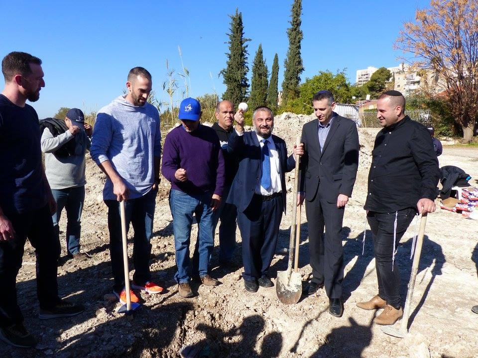 イスラエルのベト・シェメシュに新しい野球センターを設立の着工式    続く野球のグローバル化