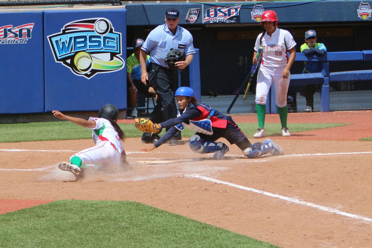Day 3 at the 2015 WBSC Junior Women's Softball World Championship