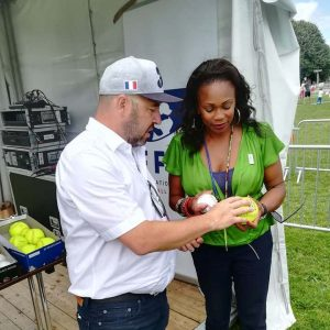 Minister Flessel visits baseball and softball stand during Olympic Day in Paris
